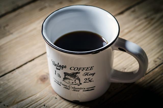 【注意】カフェインの摂り過ぎは肌に悪影響!1日の適量の目安とは?