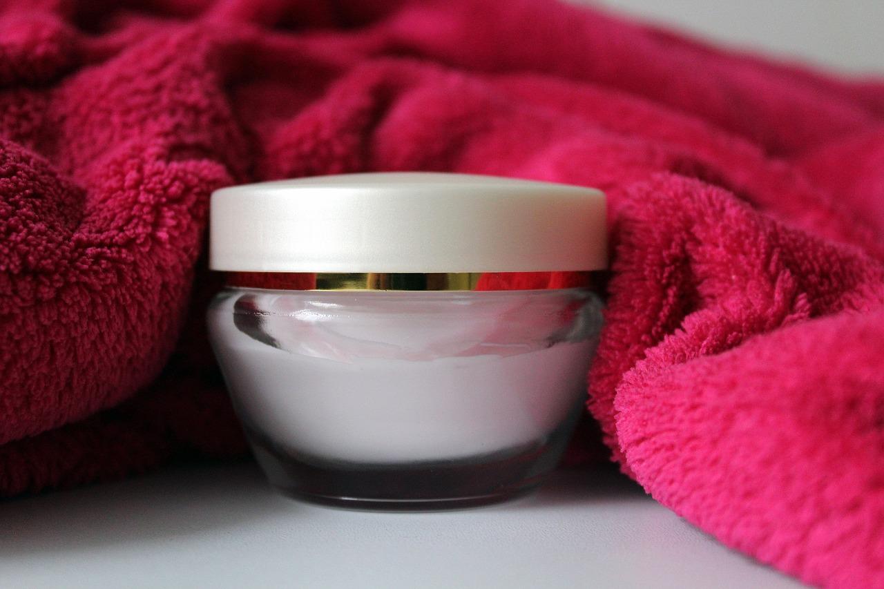保湿クリームの超絶おすすめ品はこれ!顔が敏感肌でもあっという間に肌バリアを補強